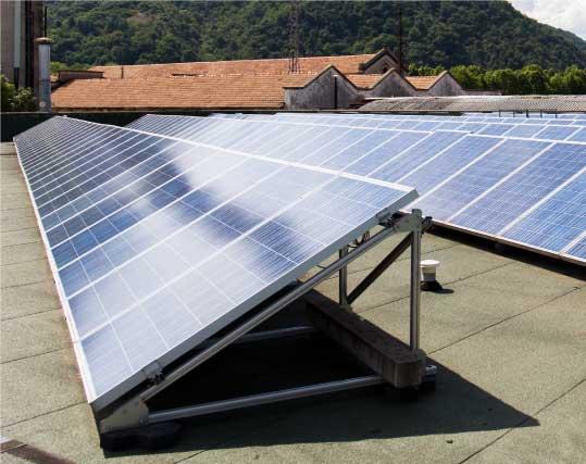pannelli fotovoltaici per impianto sostenibile Dres-Plast