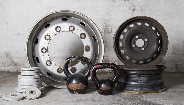 lavorazione attrezzatura sportiva, cerchioni moto e auto | Dres-Plast